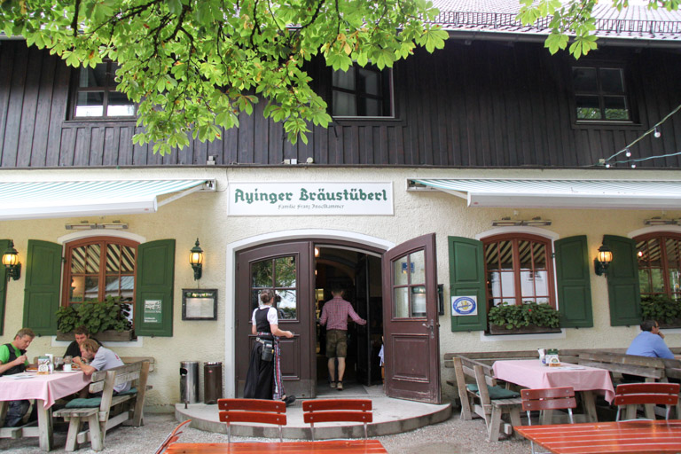 Ayinger Brauerei: Bräustüberl