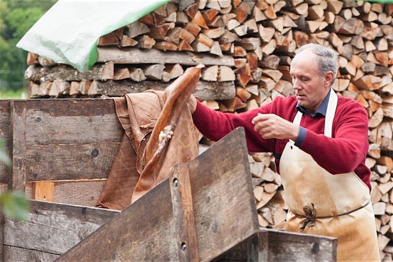Die Seniorensafter | Georg Bergmann sammelt den Trester