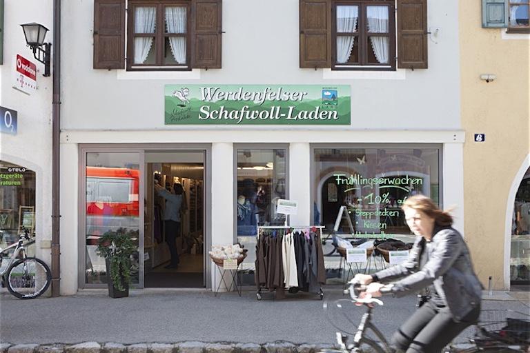 Kulturgut auf vier Hufen | Werdenfelser Schafwollladen